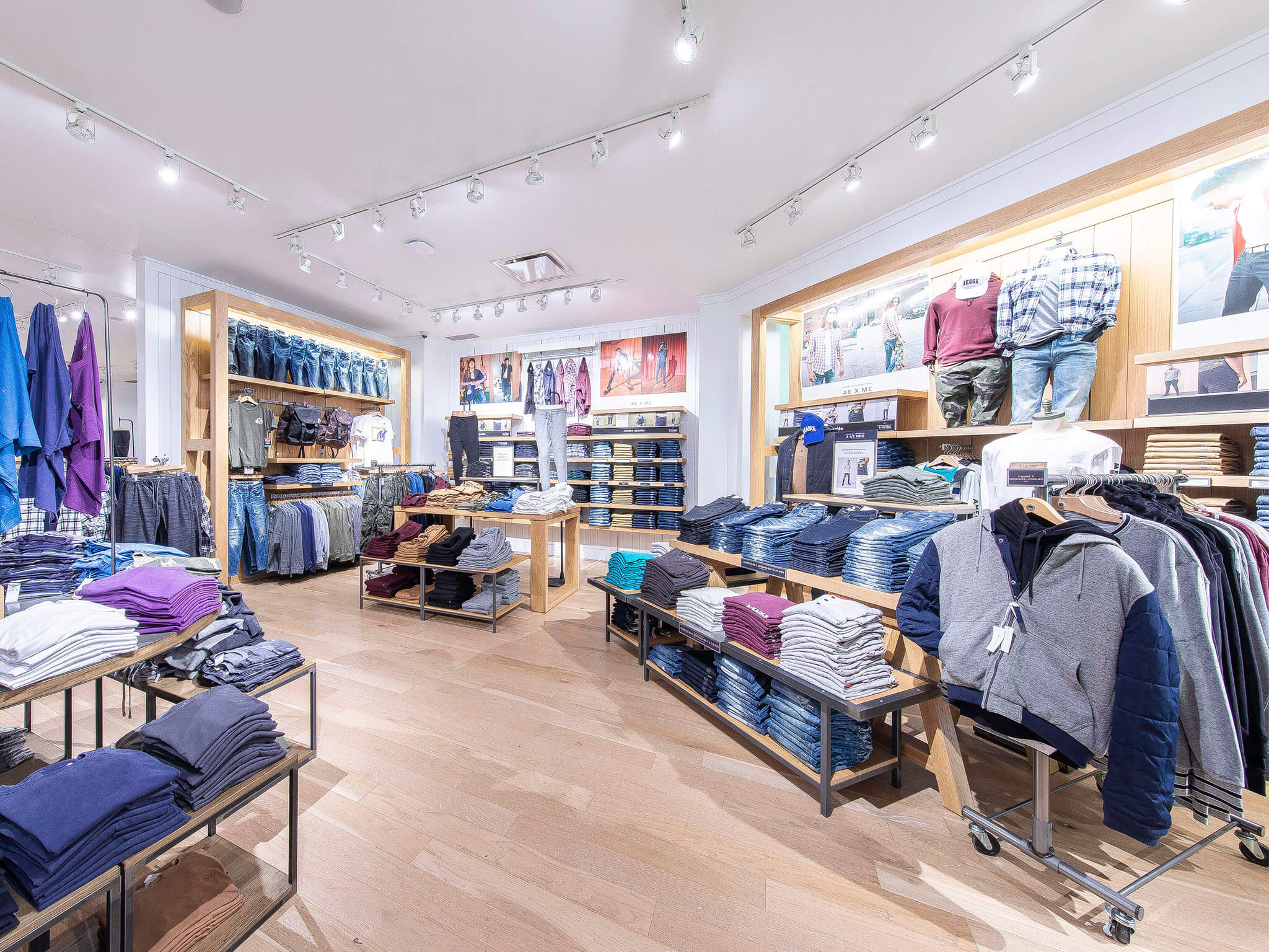 American Eagle Outfitters - Rockland