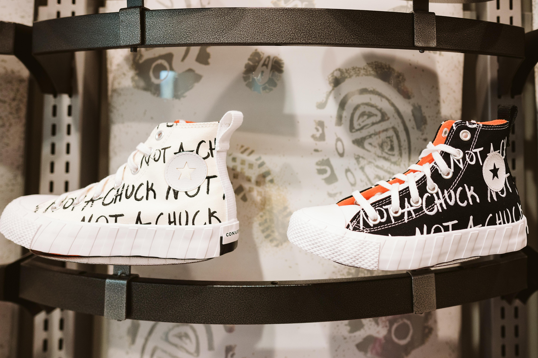 Foot Locker - Mail Champlain