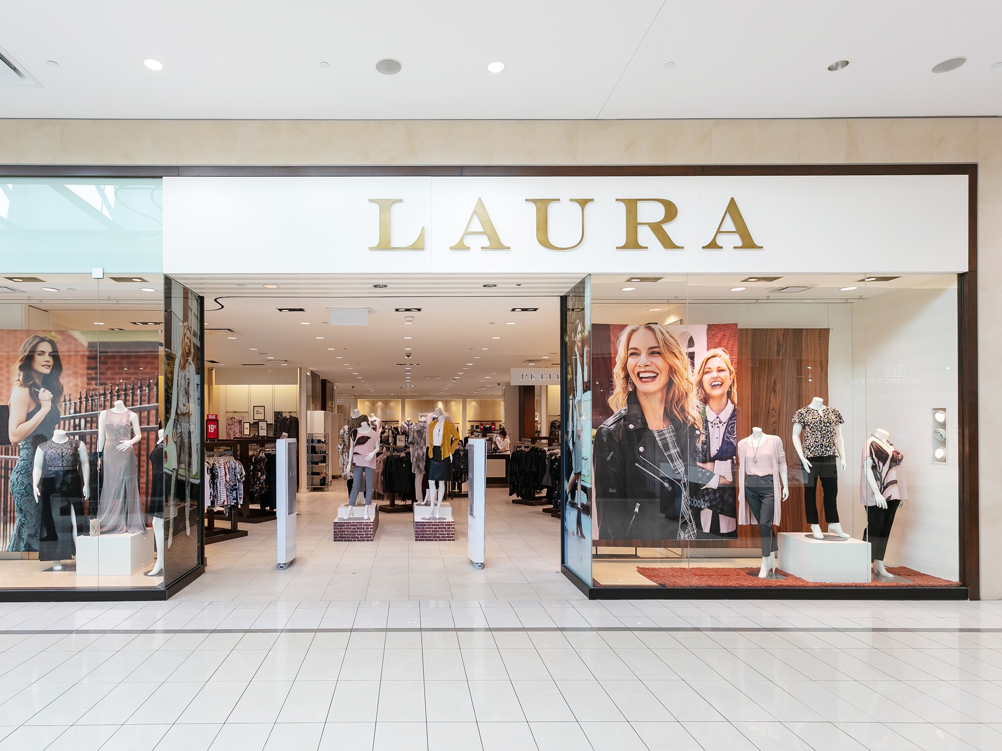 Laura - Mail Champlain