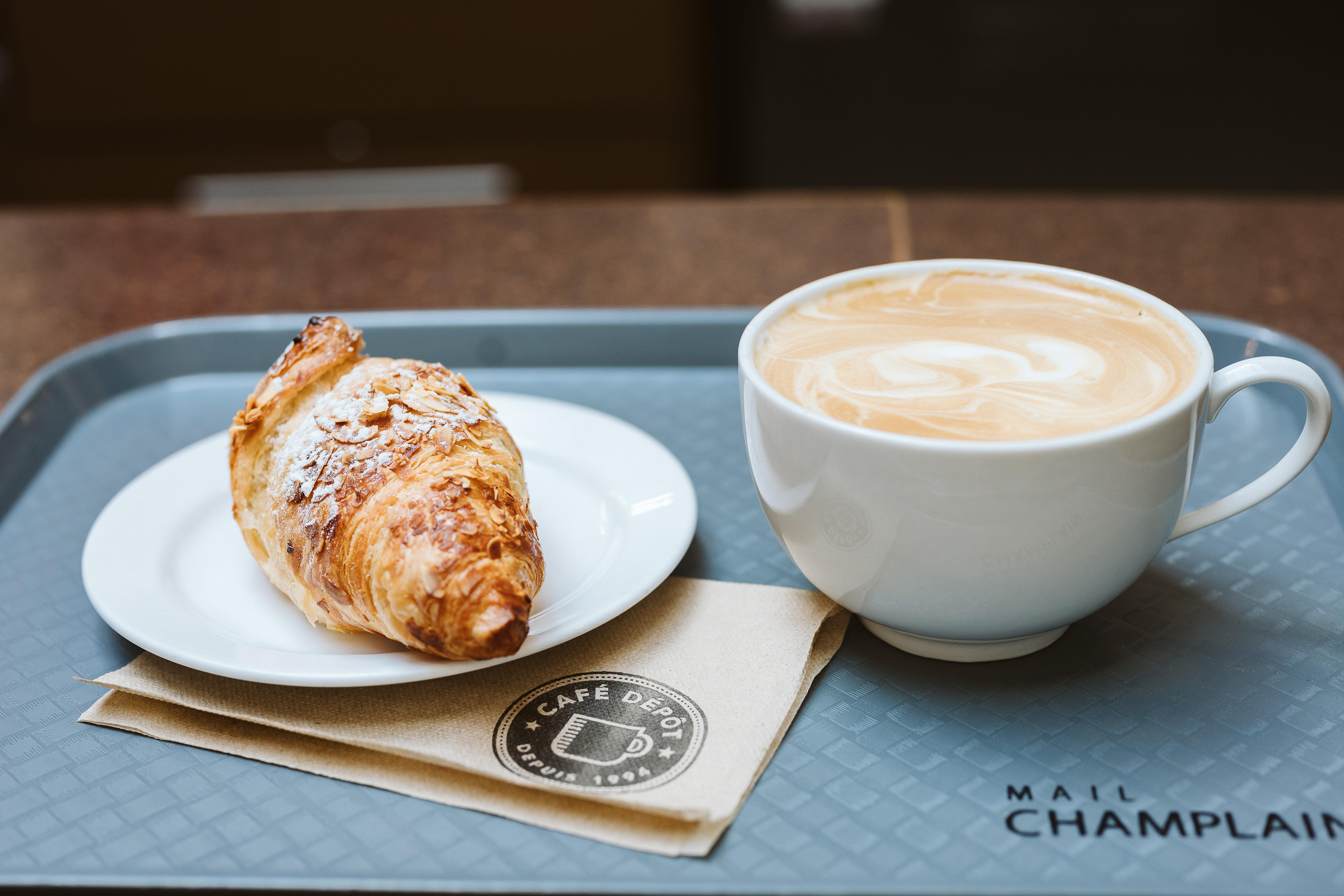 Café Dépôt - Mail Champlain