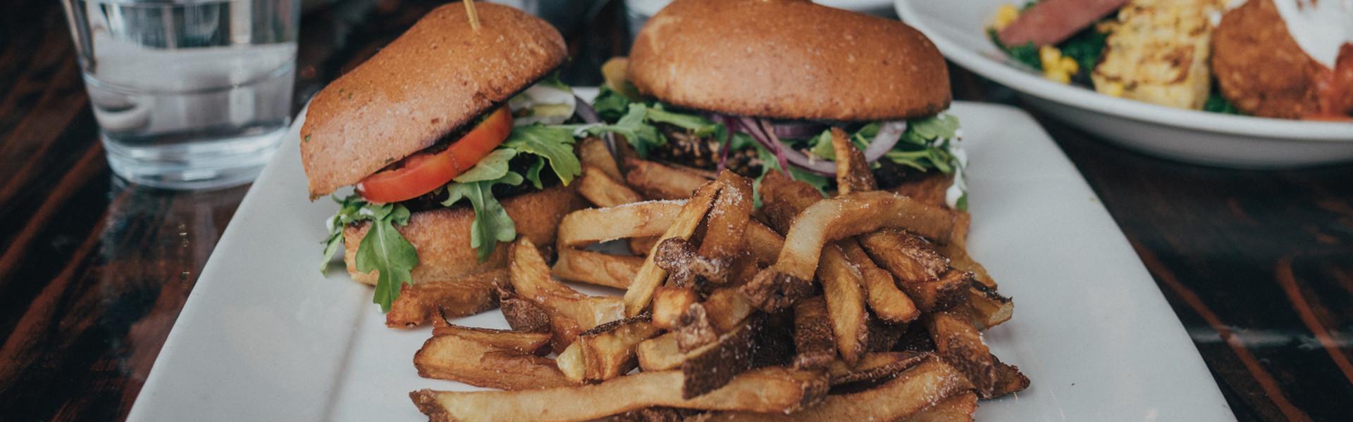 La Belle et La Boeuf Burger Bar - Centropolis