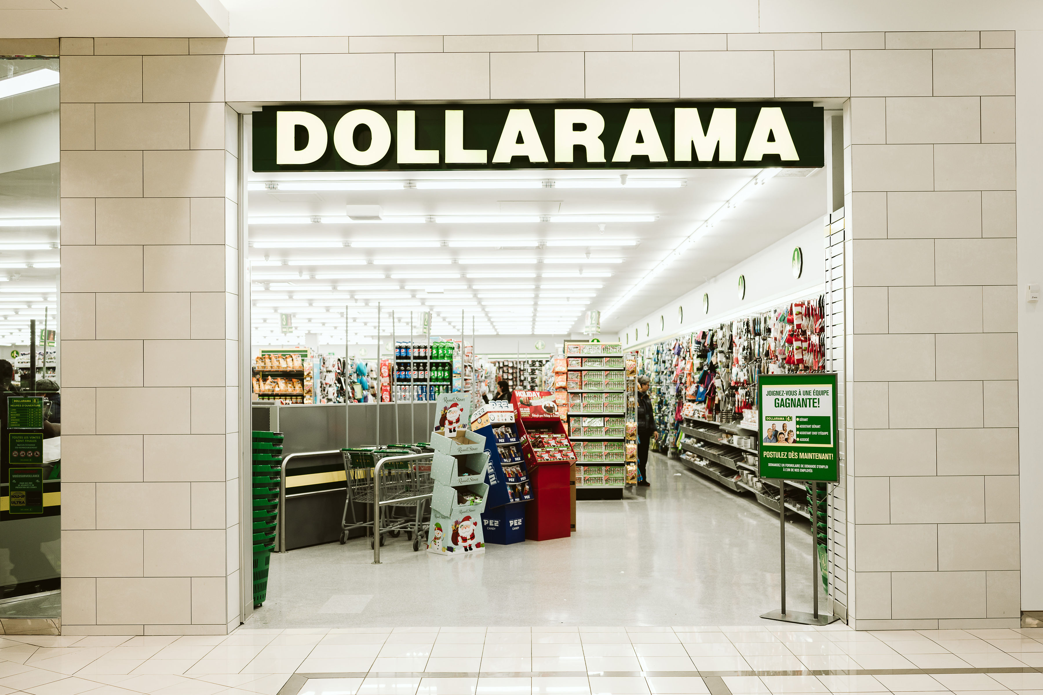 Dollarama - Mail Champlain