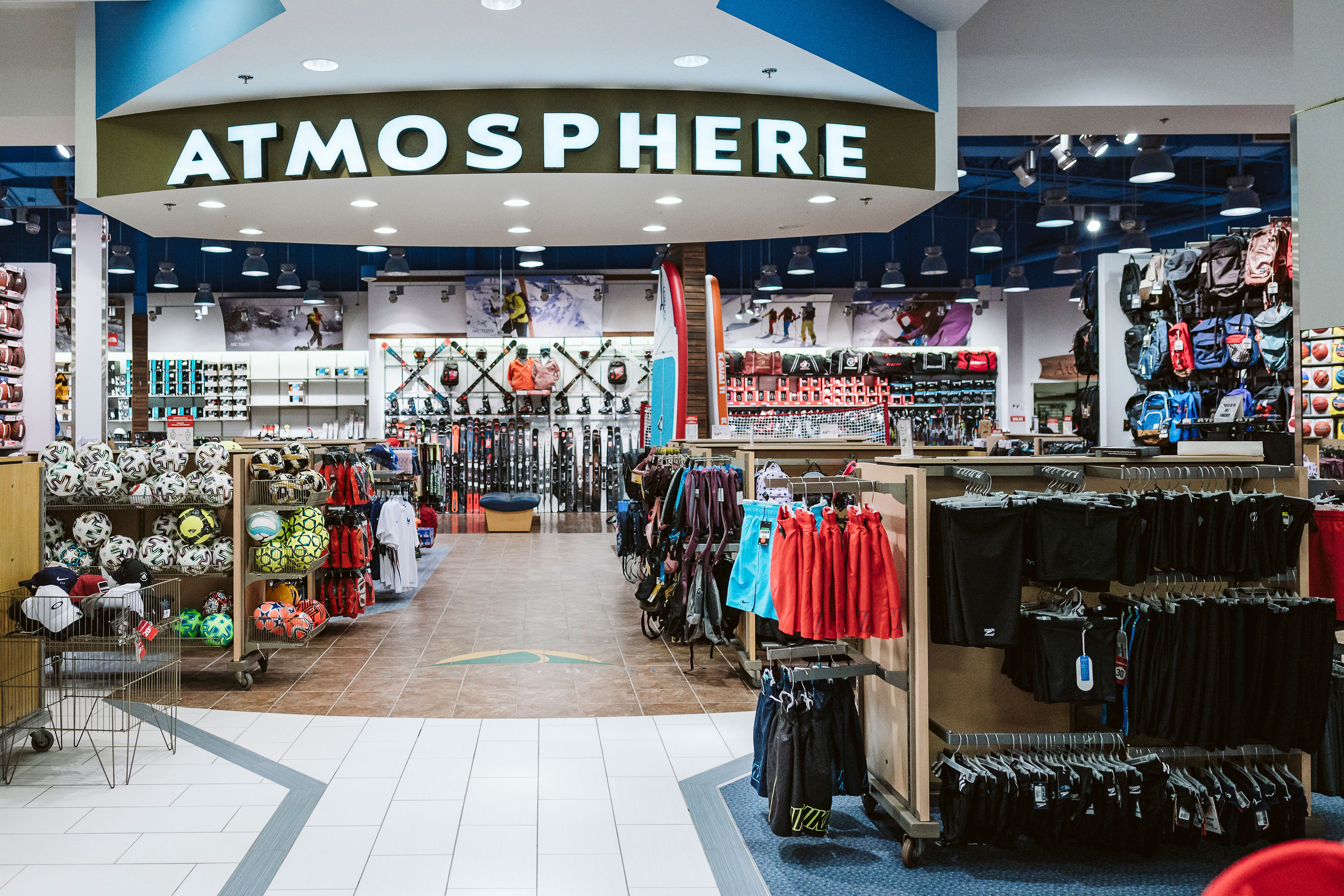 Atmosphere / Sports Experts - Mail Champlain