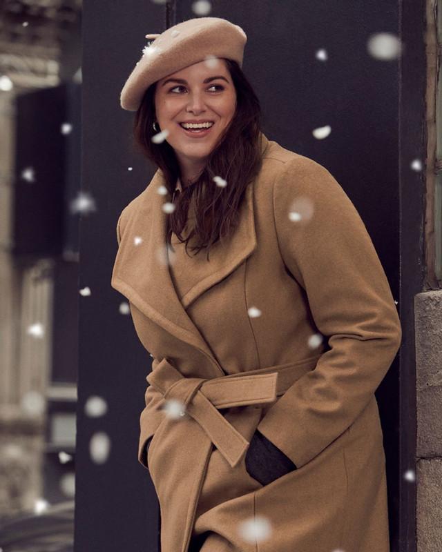 Manteau beige avec ceinture, Reitmans